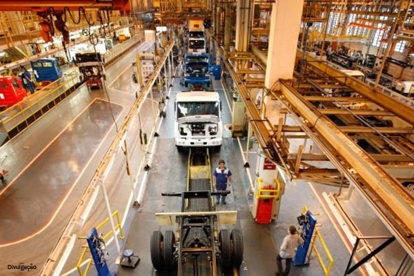 Governo sanciona lei de depreciação acelerada para caminhões
