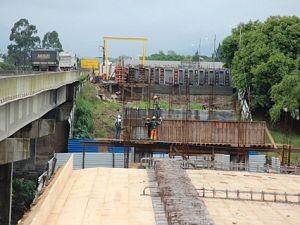 Ponte sobre o Rio Tubarão - Segundo vão é preparado