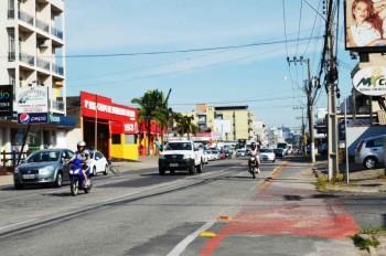 Comerciantes querem mão dupla em avenida