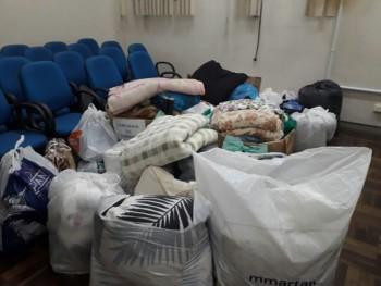 """Mais de 500 cobertas e agasalhos são arrecadadas no """"Domingo na Rua"""""""