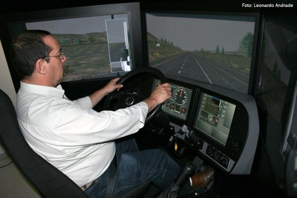 Comissão de Viação e Transportes aprova obrigatoriedade de aulas em simulador de direção