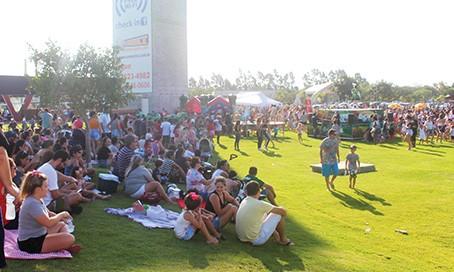 Tarde de atividades festivas e vacinação no parque