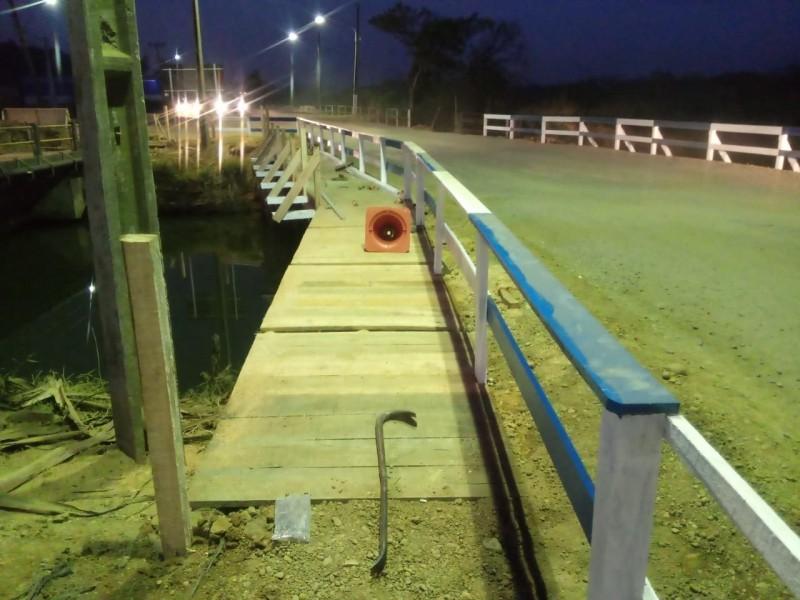 Ponte provisória na rua Sílvio Búrigo recebe últimos acabamentos